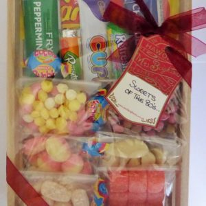 Small 80's hamper